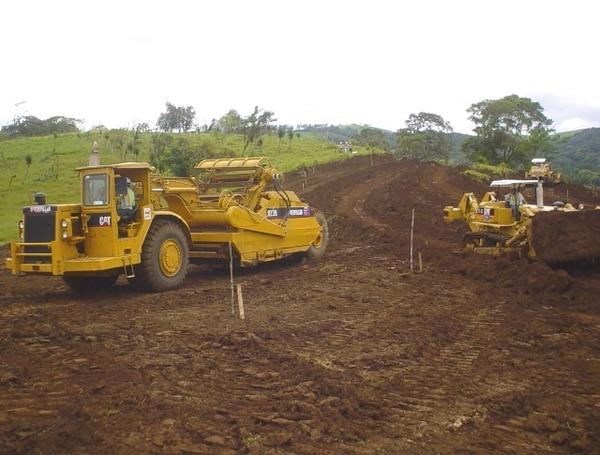 La nueva carretera a San Carlos es un proyecto que tiene 43 años a la espera de ser concluida. El tramo pretende unir ese cantón con Naranjo.   ARCHIVO.
