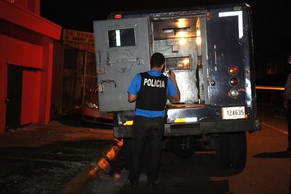El camión remesero fue inspeccionado, pero ya no estaban las tulas (bolsas) con dinero. Gesline Arango