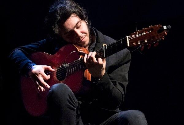 El guitarrista Yeray Cortés es un gran amigo de Farruquito. El músico, que se presentará en el país con el bailaor, heredó la fiebre por el flamenco por su propio padre, quien le enseñó a tocar el instrumento. Foto: cortesía Interdepro