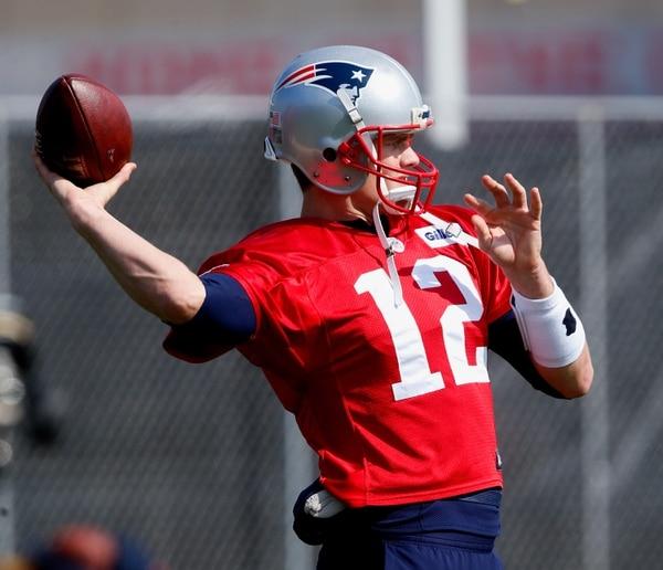 Tom Brady durante las prácticas de esta semana previo al Super Bowl LI.