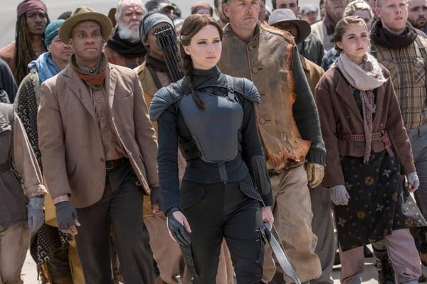 Katniss Everdeen (Jennifer Lawrence) es la líder de los rebeldes en la saga de Los Juegos del Hambre