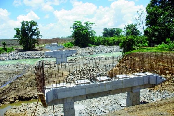 Estado actual del puente sobre el río Toro, que tendrá más de 115 metros de longitud.