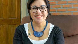 Carolina Flores Hine debuta como novelista con un íntimo retrato de la Ciudad de México