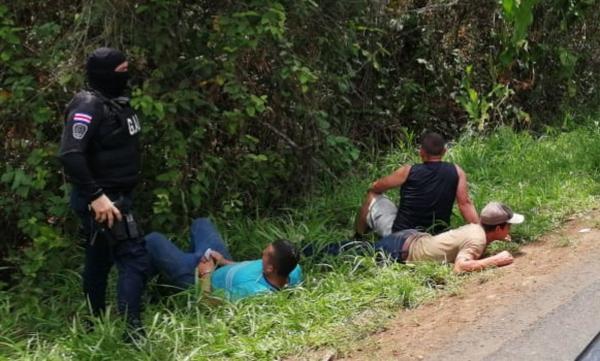 Los detenidos por el asalto en Florencia de San Carlos son oriundos de Alajuelita, según las autoridades. Fotografía: Édgar Chinchilla