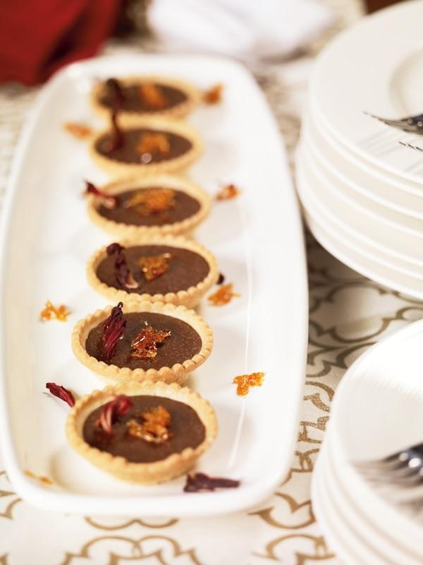Minitartaletas de chocolate y rosa de Jamaica