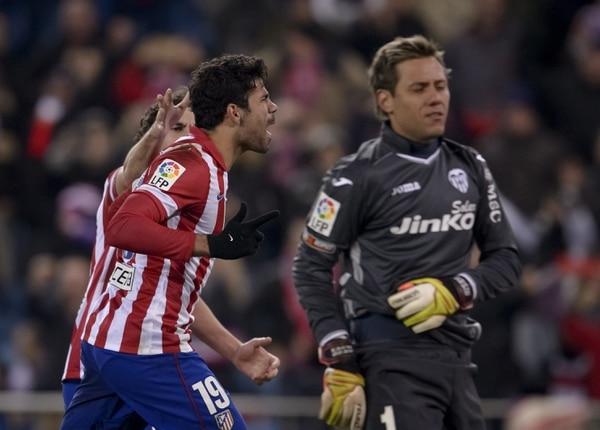 El Atlético de Madrid goleó 3-0 al Valencia.