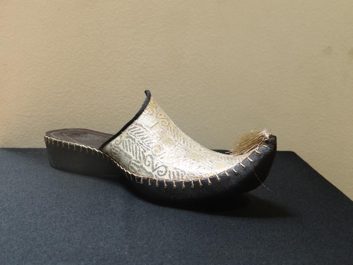 Una historia contada a punta de zapatos - La Nación f389f4904757