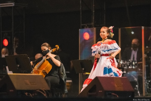 Reychell Araya sorprendió y encantó con su talento para las retahílas. Foto: David Chacón/Cortesía.