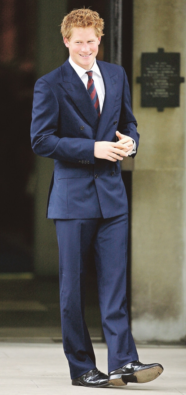 Relación. El príncipe Guillermo, hijo menor de Diana de Gales, y la aristócrata Cressida Bonas se conocieron en una salida al cine. Ambos planean casarse en el 2014 de acuerdo con varios diarios ingleses .Archivo y AFP.
