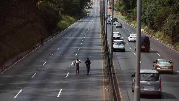 07/01/2017. Cierran autopista de General Cañas sentido Alajuela- San Jose por Arreglo en la Platina . Fotografia: Graciela Solis