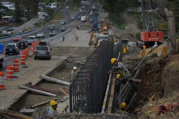 Según el Conavi, las estructuras permanentes entrarán en servicio de manera definitiva el próximo 6 de mayo.   JORGE NAVARRO