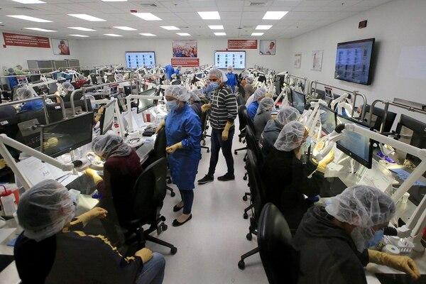 Edwards Lifesciences tiene la planta de producción en el parque La Lima, en Cartago. La compañía ya tiene avanzada la construcción en el mismo sitio de una segunda instalación, con una inversión de $100 millones. Foto: Rafael Pacheco
