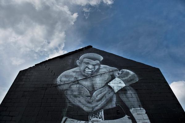 Mural de Ali en su natal Louisville, Kenthucky. / Fotografía: AFP.