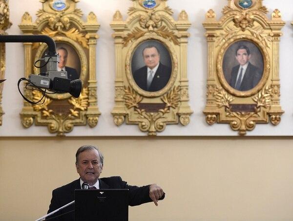 El diputado y fundador del PAC, Ottón Solís, envió una carta a los presidentes de los partidos políticos, para intentar que entre ellos establezcan un acuerdo de gobierno para el 2018.