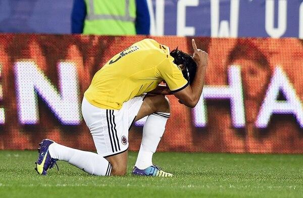 Así celebró Radamel Falcao su gol en el triunfo de Colombia ante El Salvador.