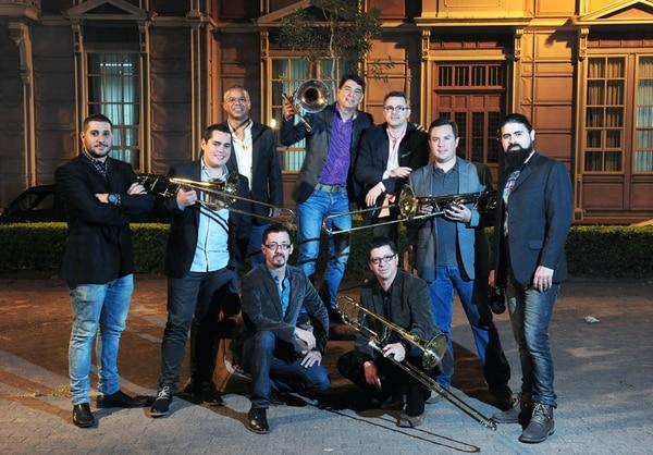 Son de Tikizia está conformado por diez músicos. En su mayoría, han estado desde la creación del grupo, hace 10 años. Foto: J. Durán