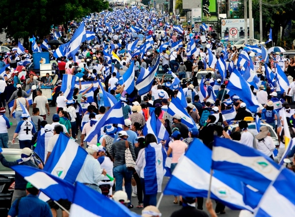 Miles de personas participaron en una protesta contra el gobierno de Daniel Ortega, en Managua, el 2 de setiembre del 2018. Foto: AFP