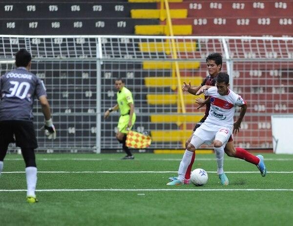 San Carlos derrotó ayer a Alajuela Junior por marcador de 2 a 1. Manudos y sancarleños están clasificados para la siguiente fase. | DIANA MÉNDEZ.