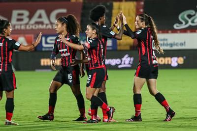 Wílmer López pone de nuevo a Alajuelense en una final del fútbol femenino