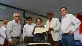 CCSS da un paso hacia nuevo hospital de Turrialba: firma contrato con constructora