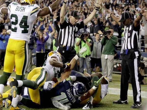 La NFL no lo admitió, pero el error arbitral del lunes, que costó el triunfo a los Packers, hizo que corrieran por un arreglo con los árbitros titulares. | AP