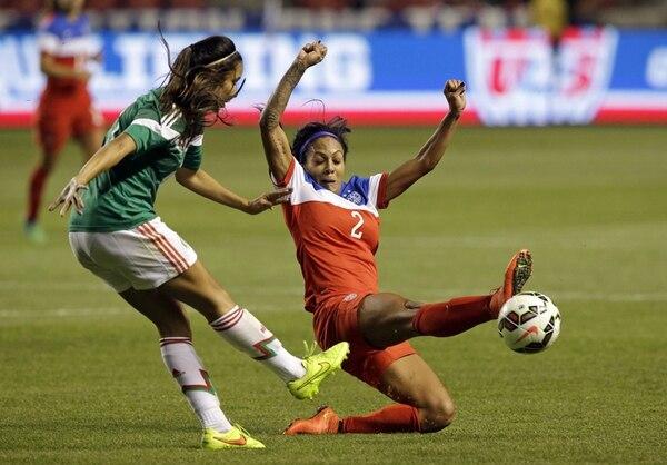 México, rival hoy de Costa Rica en Kansas, sostuvo dos fogueos con Estados Unidos y salió goleado 8-0 y 4-0.   AP