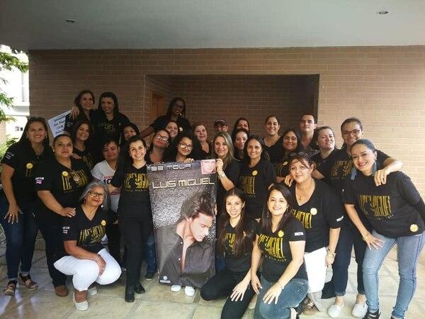 3d5891a671899 Los fanáticos más fuertes de Luis Miguel en Costa Rica se reúnen cada  cierto tiempo para