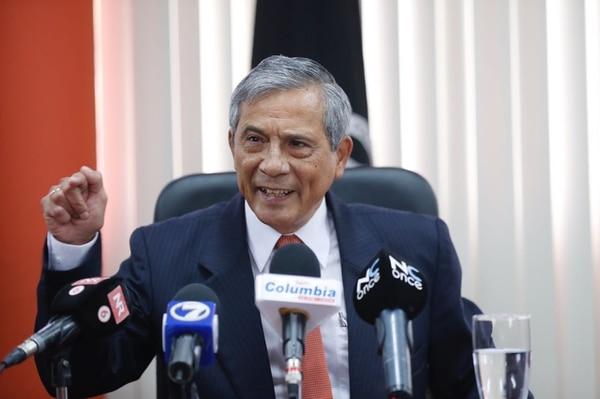 El fiscal general, Jorge Chavarría, informó que existen ocho causas abiertas en torno al caso del cemento chino.