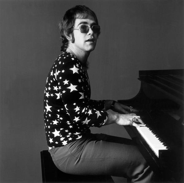Elton John retoma sus raíces setenteras en este disco.Foto: Wikicommons.