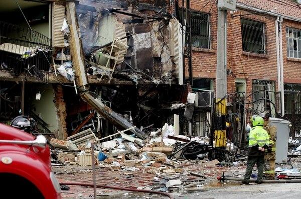 Al menos 27 heridos dejó una explosión seguida de un incendio en una casa del sector de Galerías en la ciudad de Bogotá, donde al parecer funcionaba un laboratorio de productos químicos.