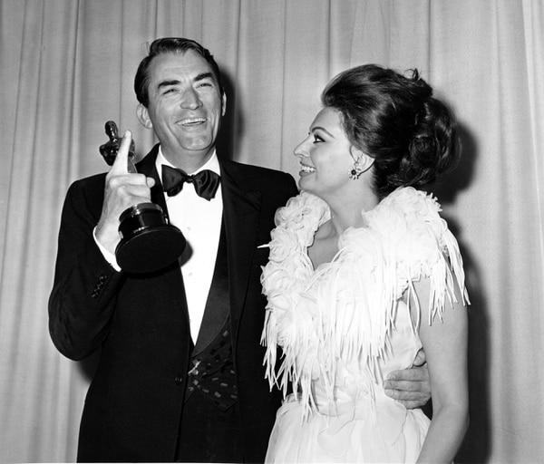 Sophia Loren junto a Gregory Peck. Foto: AP