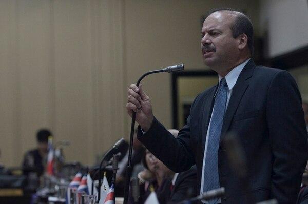 El diputado Manrique Oviedo, del PAC, acusó al vicepresidente Luis Liberman de usar políticas contra el agro. | MARÍANDREA GARCÍA PARA LN