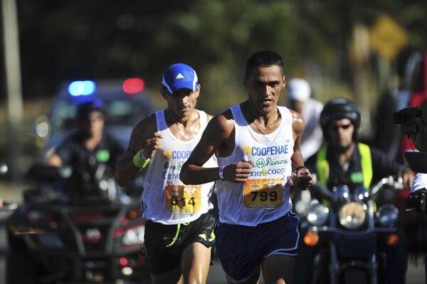 Camilo Céspedes ganó la edición del 2013 en la Clásica Palmarín, de segundo lugar se ubicó Eliecer Oviedo.