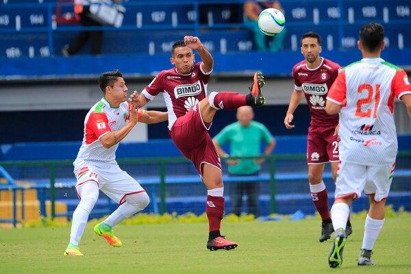 Luis Stwart Pérez debutó este domingo con el Saprissa en el Apertura 2017.