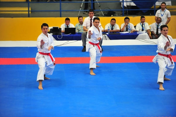 Juegos Centroamericanos Managua 2017- Roy Lee Gatjens, Juan Achío y Sergio Cambronero ganaron la medalla de oro en la modalidad de katas masculino por equipos, en los Juegos de Managua 2017.Fotografías: Juan Diego Villarreal
