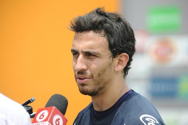 El contención Randall Azofeifa ha jugado en el Saprissa, el KAA Gent de Bélgica, y los clubes turcos Gençlerbirligi y Kayseri Erciyesspor. | ARCHIVO