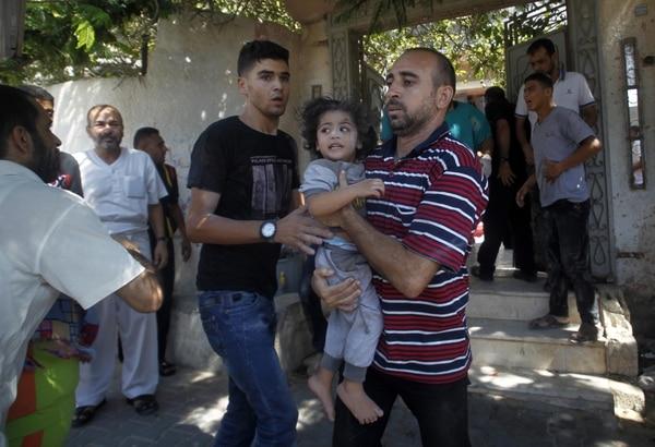 Los niños palestinos representan el 30% de las víctimas civiles por motivo de la ofensiva israelí en la Franja de Gaza, informó este sábado la Unicef.