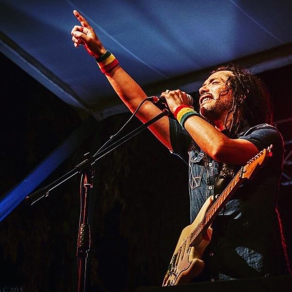 El chileno Quique Neira también es parte del cartel del festival. Fotografía: Facebook.