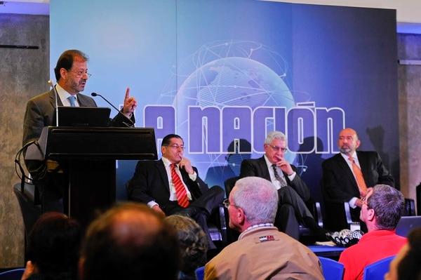Augusto de la Torre, economista jefe para América Latina y el Caribe del Banco Mundial, durante su presentación esta noche.