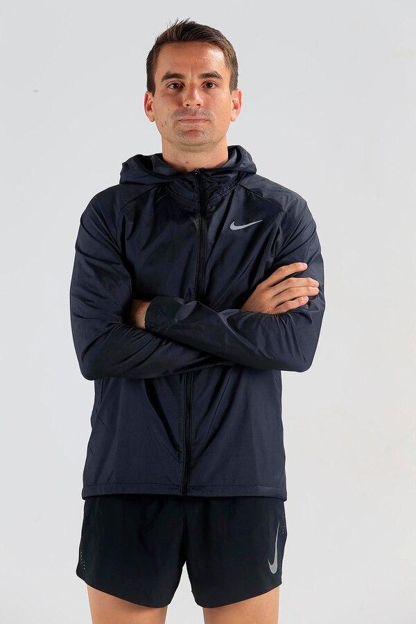 Sebastián ha corrido 13 maratones y dos ultras de 50 km. Cinco de sus maratones las corrió en Chicago. Su record personal lo consiguió en abril del presente año en la maratón de Boston al terminar en 2:39:11. Foto: Rafael Pacheco.