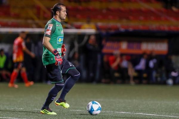 Daniel Cambronero fue titular en el partido del Herediano ante el Santos de Guápiles de la fecha 3 del Apertura 2018. Fotografía José Cordero