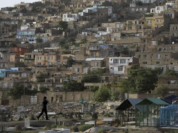 Un atentado cerca de una base militar de la OTAN en Wardak, entre Kabul y Kandahar, ocasionó la muerte de almenos 12 personas.   AFP.