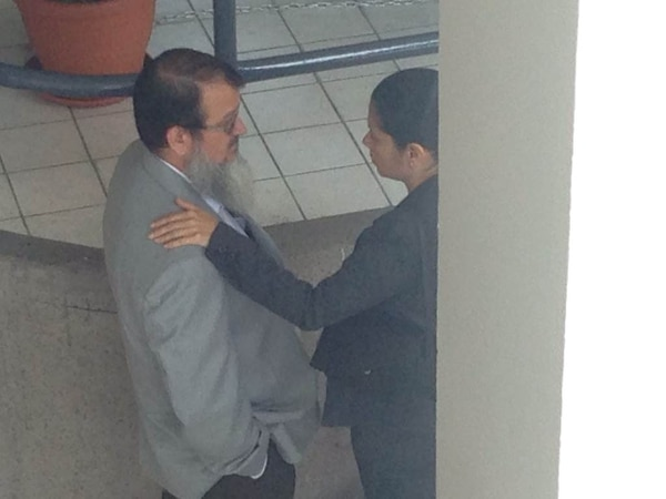 La diputada libertaria Carmen Quesada saludó este miércoles a Gerardo Vargas, del Frente Amplio.