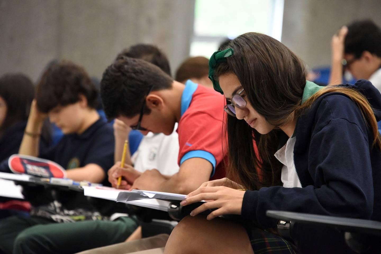 El ministro de Salud, Daniel Salas, confirmó que se aprobó el protocolo que enviaron la Universidad de Costa Rica y la Universidad Nacional para la aplicación de la Prueba de Aptitud Académica (PAA) conocido como examen de admisión.