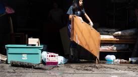 Neoyorquinos empiezan labores de limpieza y recuento de daños después de inundaciones récord