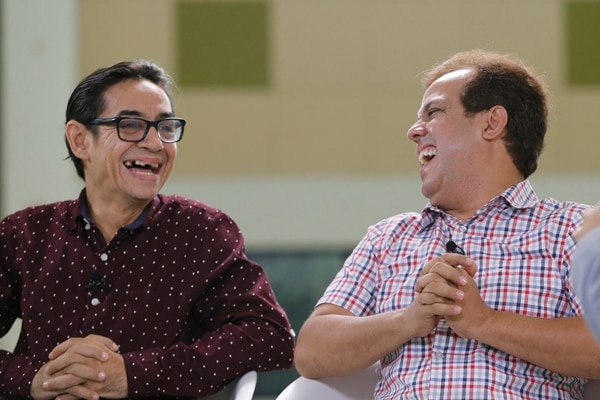Ricardo Jiménez (Juan Vainas) y Magdiel Ramírez (Chibolo) comparten una amistad tan fuerte como la de sus personajes. Foto: Albert Marín.