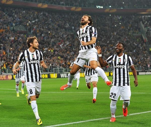 Andrea Pirlo anotó de tiro libre para la Juventus ante el Lyon.