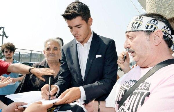 Álvaro Morata en su presentación con la Juventus.