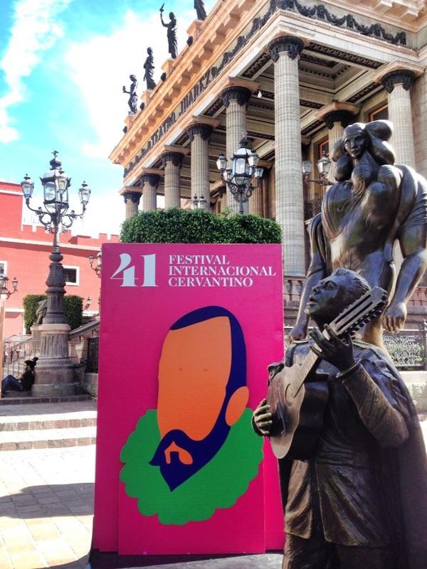 Fachada del Teatro Juárez, en Guajuato. El Festival Cervantino debe su nombre al renombrado escritor Miguel de Cervantes. Facebook de la OSN.