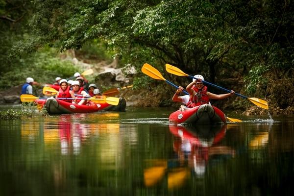 Buen ejercicio. Un paseo tranquilo en kayak le mostrará la vegetación desde otra perspectiva. Jorge Arce.